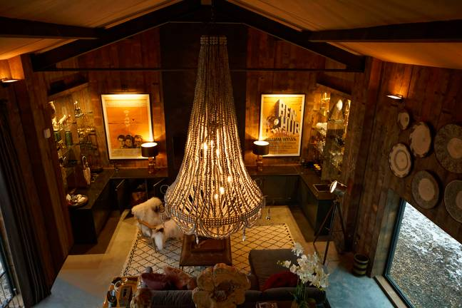 The lodge is seriously luxurious complete with chandelier. (Credit: Caters)