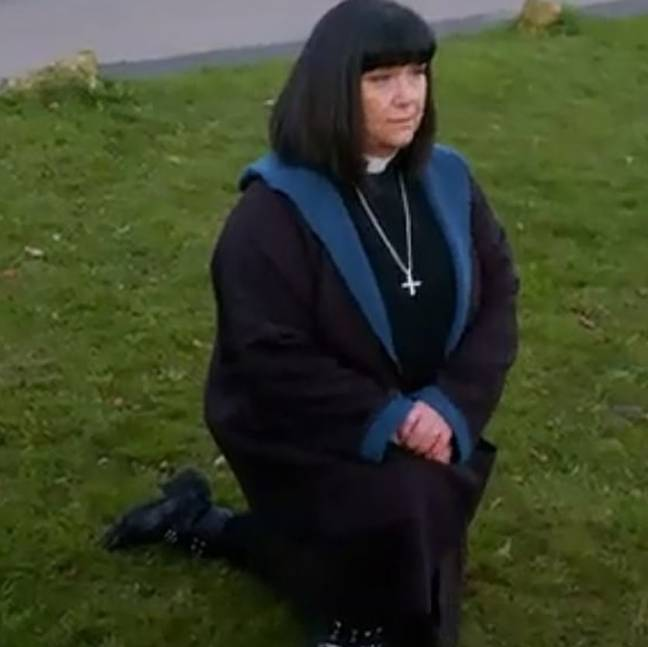 This year's show will see Vicar Geraldine take the knee as a mark of respect (Credit: BBC)