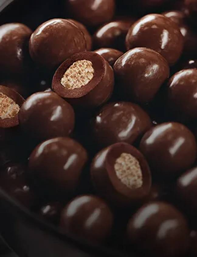 Lindt's new Crunchy Sensation, which resembles a chocolatey cereal ball (Credit: Lindt)