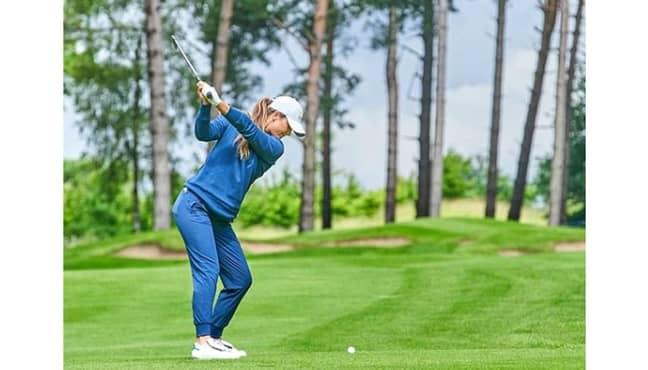 Annabel Dimmock is a professional golfer. (Credit: Instagram/@annabeldimmock)