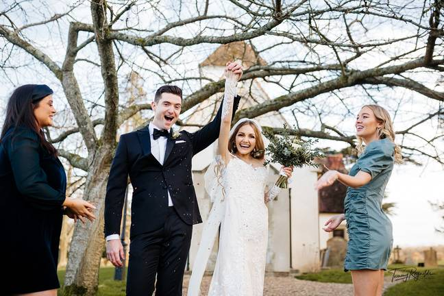Riana and Cameron were married at Wasing Park in Reading (Credit: Tommy Reynolds)