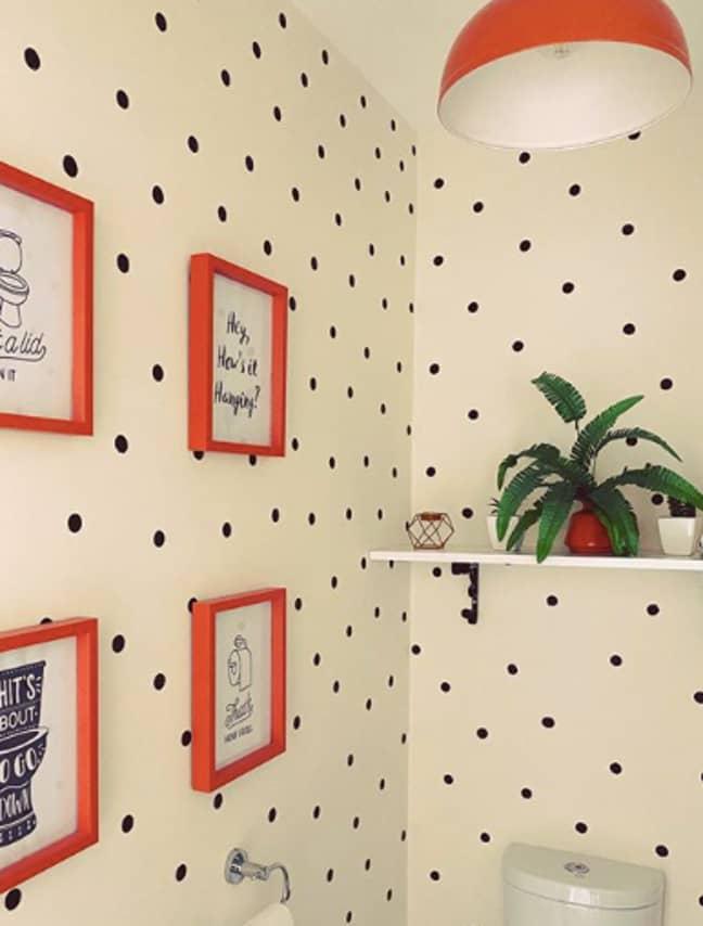 Jade went for the hand painted look in her bathroom (Credit: Instagram/@twinkle_mcsprite)