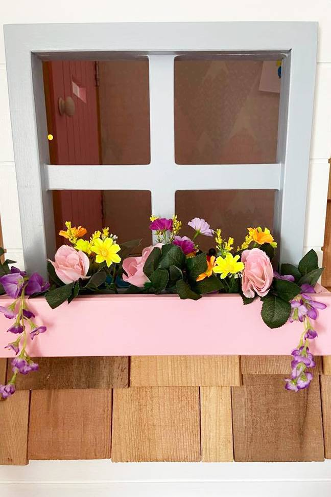 Just look at these cute window box details! (Credit: Caters)