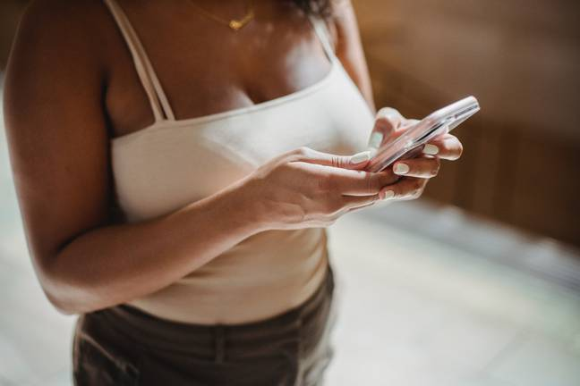 Bumble means only women can message first (Credit: Pexels)