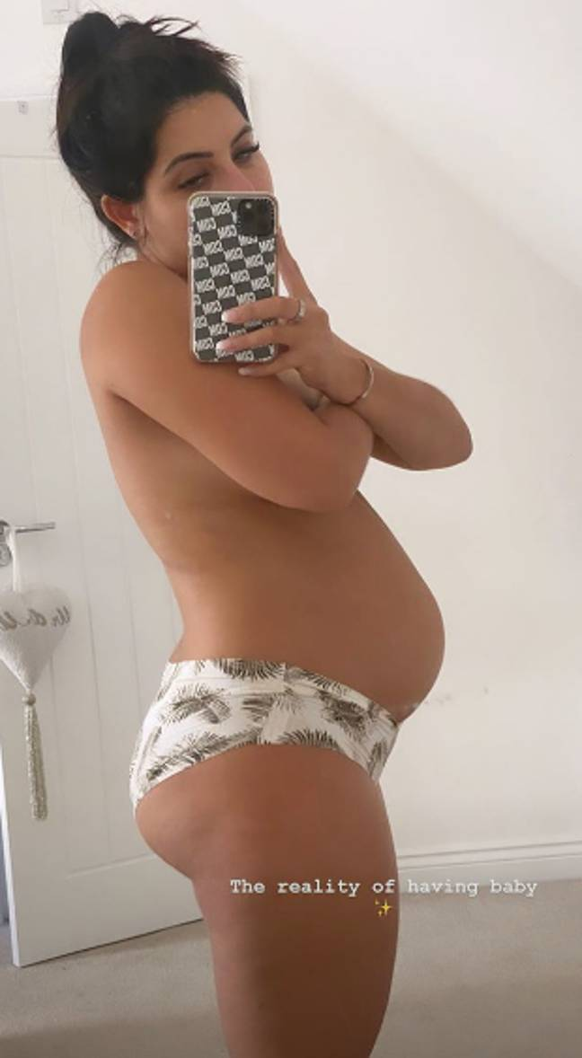 Cara shared her post pregnancy body on her story (Credit: Instagram/ Cara De La Hoyde)