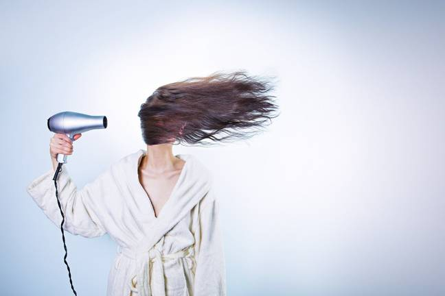 Avoiding heat styling tools is key (Credit: Pixabay)