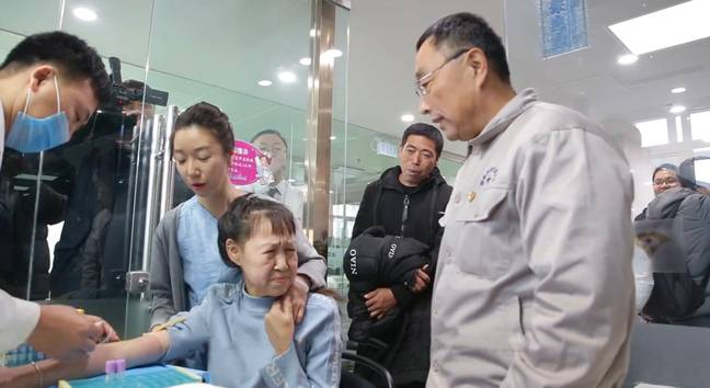 Xiaofeng has a blood test pre-surgery (Credit: Sunline/Asia Wire)