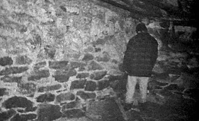 The Blair Witch Project sees the student filmmakers suffer (Credit: Haxan Films/Artisan Entertainment)