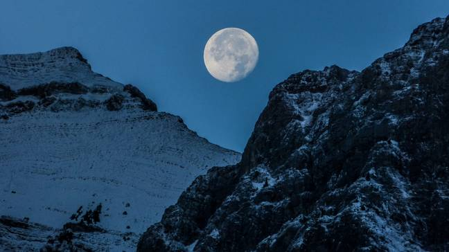 The Cold Moon is extra special because it sits just above the horizon for a longer period of time (Credit: Unsplash)