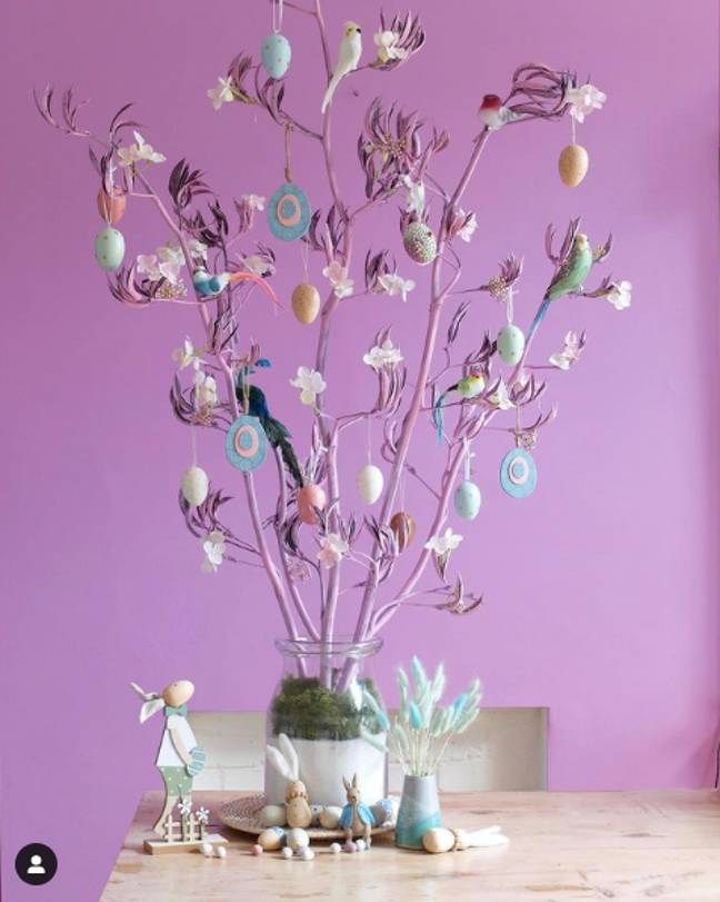 You can make a simpler Easter tree (Credit: Instagram - peacocksandflamingos)