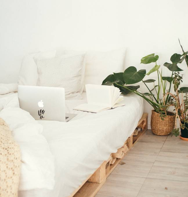 The bedroom is the new office (Credit: Pexels)