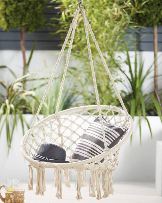 Aldi's hanging rope chair is back in stock (Credit: Aldi)