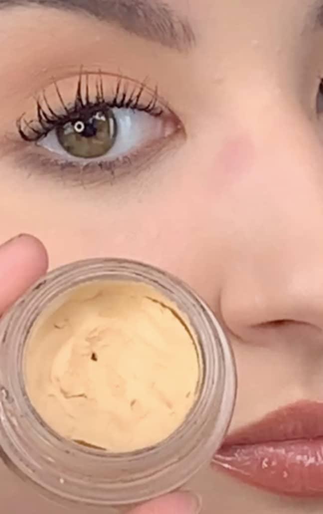 Ellie uses MAC's longwear paint pot to stop her glasses making marks on her nose (Credit: TikTok/@elliemakeupartist)