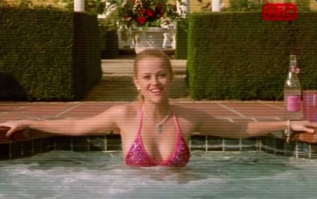 Reese Witherspoon as Elle Woods in the 2001 flick. (Credit: Sony)