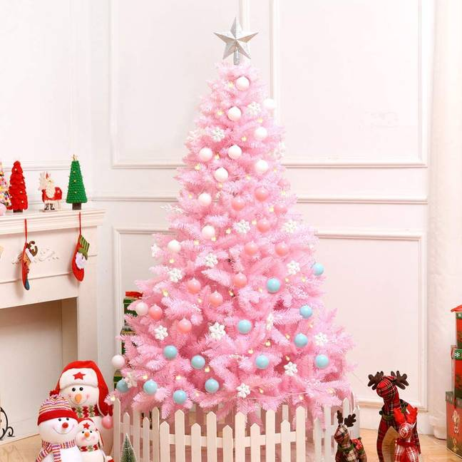 VEYLIN 6ft Christmas Tree 700 Tips Artificial Tree, £28.99 (Credit: Amazon)