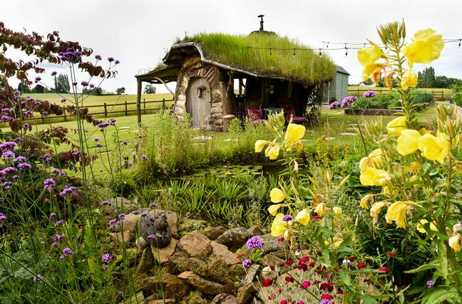 The grass roof completes the look (Credit: Caters)