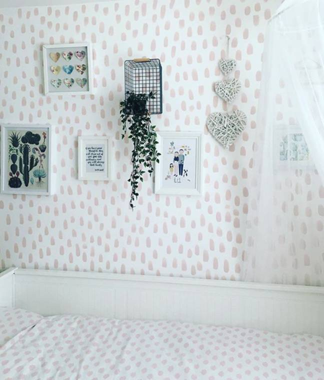 Using a pale pink instead of black and white creates a more subtle look (Credit: Instagram/@behind_the_door_at_54)