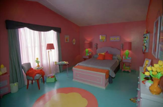 Homer and Marge's bedroom (Credit: Fox)