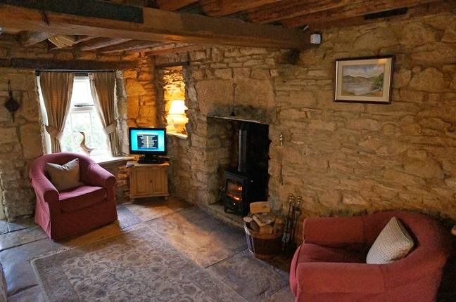 The old English cottage is as cosy as they come (Credit: Independent Cottages)