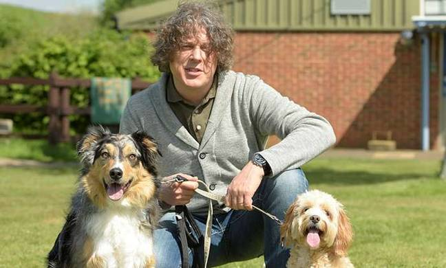 Alan Davies hosts this barking good show (Credit: Channel 5)