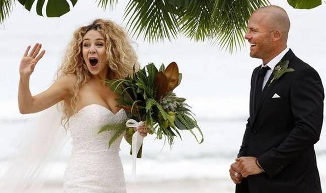 Heidi and Mike tying the knot on Married At First Sight Australia (Credit: Channel Nine)