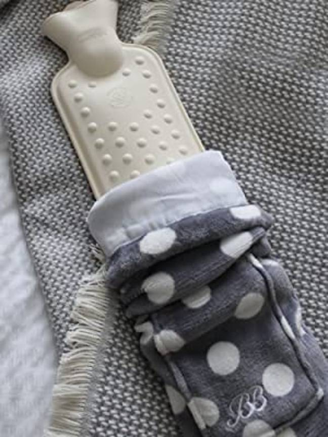 The Body Bottle fleece covers are easy to care for and are washable (Credit: Amazon/YuYu)