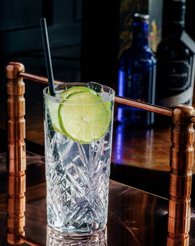 You'll have no shortage of gin this Christmas (Credit: Pexels)