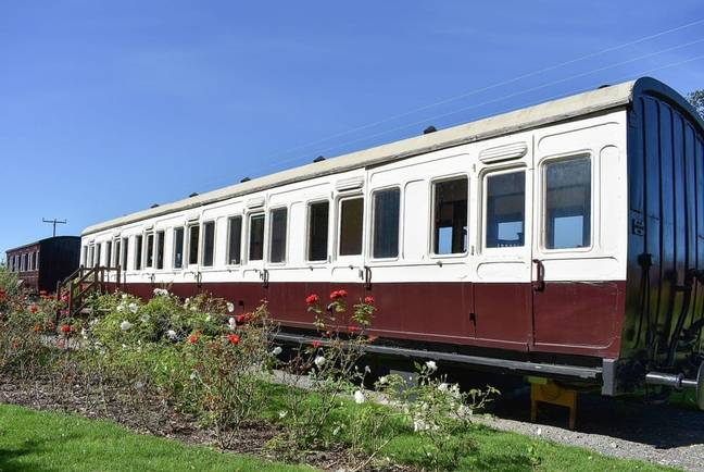 The lodgings are set in an old Edwardian train carriage (Credit: Last Minute Cottages)