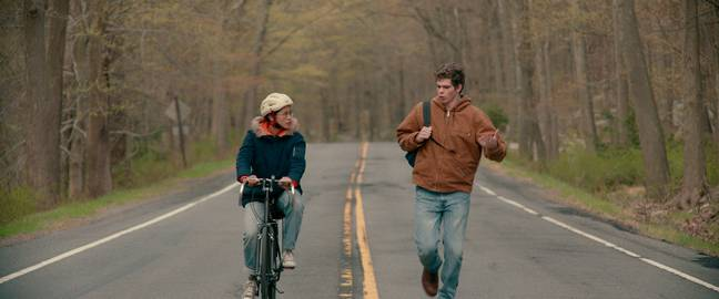 Ellie strikes up an unlikely friendship with jock Paul, who she agrees to write love letters for (Credit: Netflix)