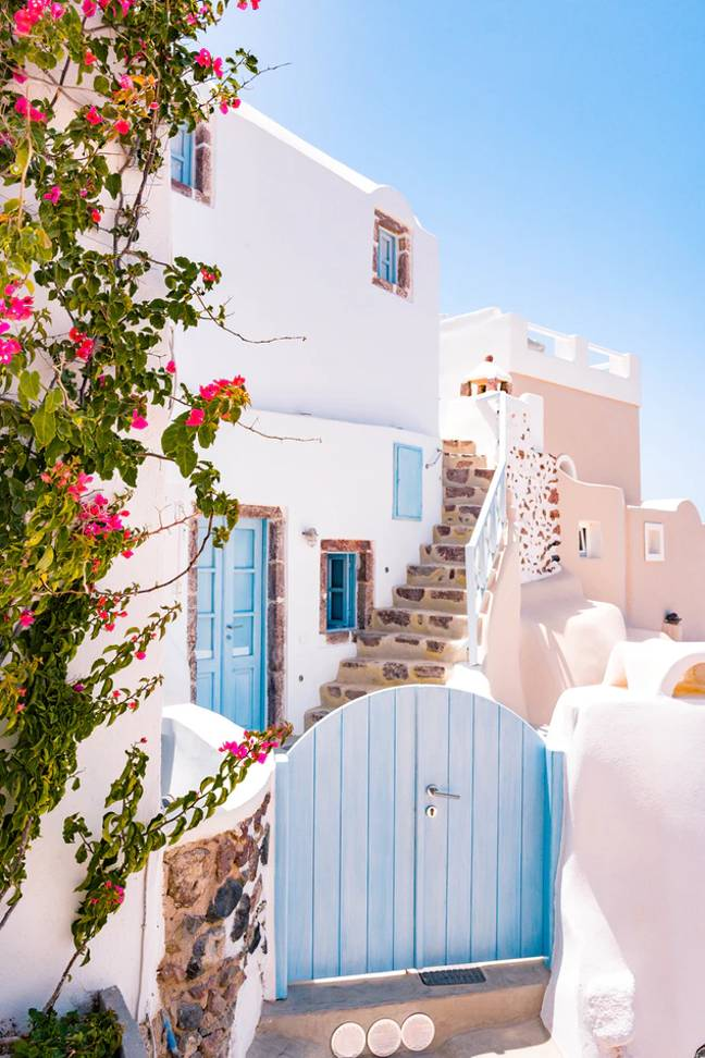 Greece is keen to keep its doors open to the public this summer (Credit: Unsplash)