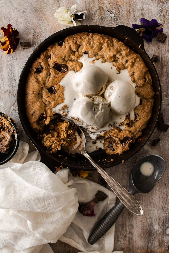 This giant skillet cookie recipe by Ana Guisbell has an extra kick of espresso (Credit: Ana Guisbell / @inspiredwithatwist)