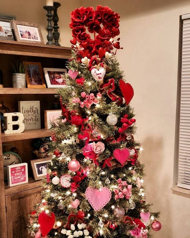 Kerry piled her tree high with love hearts (Credit: Instagram/Kerrybebe)