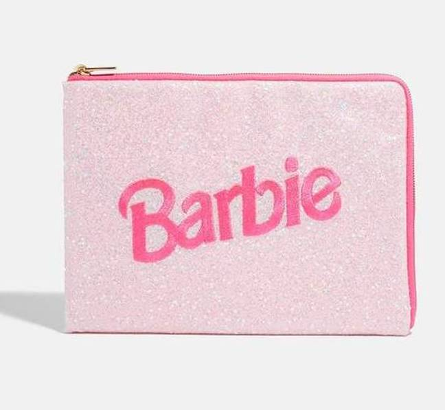 We'll be needing this very cute laptop case (Credit: Skinnydip)