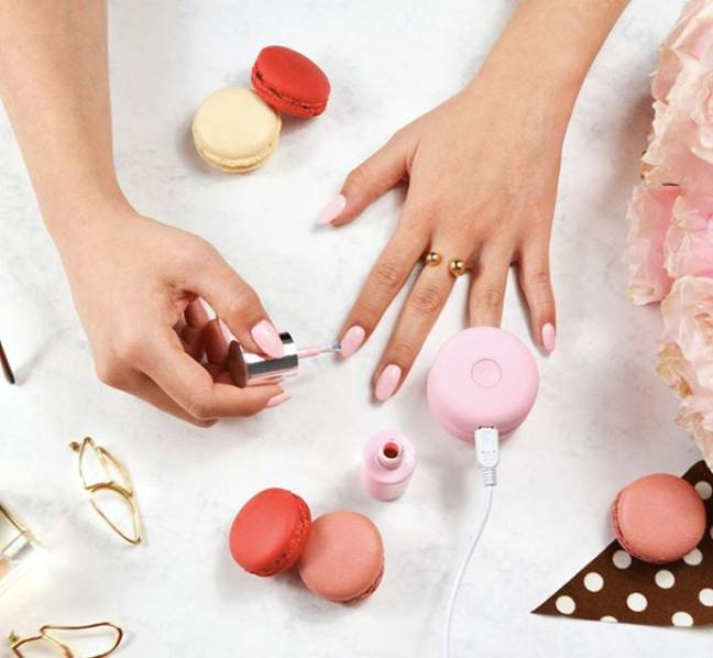 The kit comes with a macaron-shaped LED lamp and matching nail varnish (Credit: Le Mini Macaron)