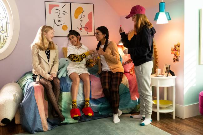The series will see the entrepreneurial girls navigate their early teen years (Credit: Netflix)