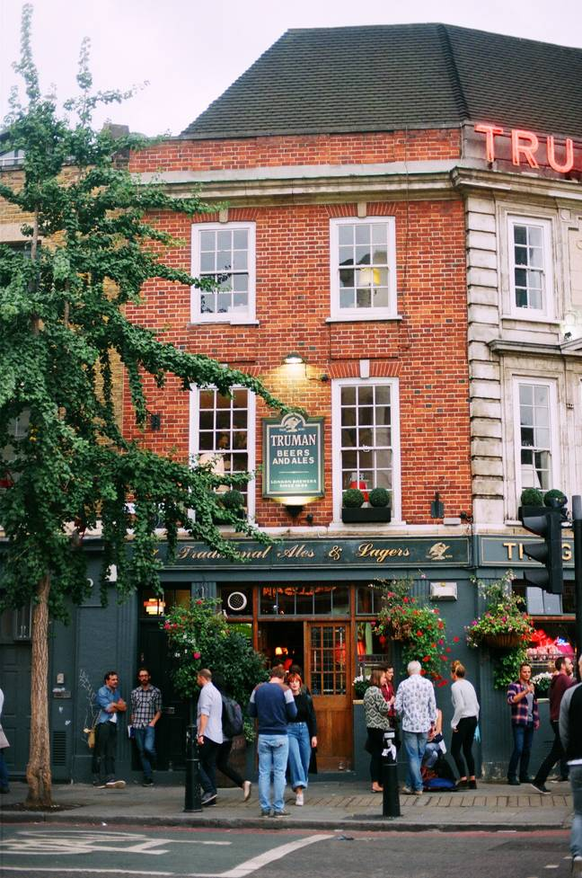 Pubs are planning to open by the start of July with social distancing measures in place (Credit: Pexels)