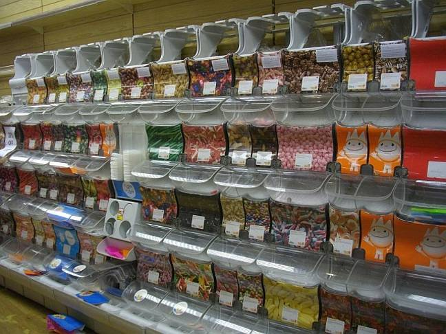 Woolworth's pic n mix aisle (Credit: Wiki Commons)