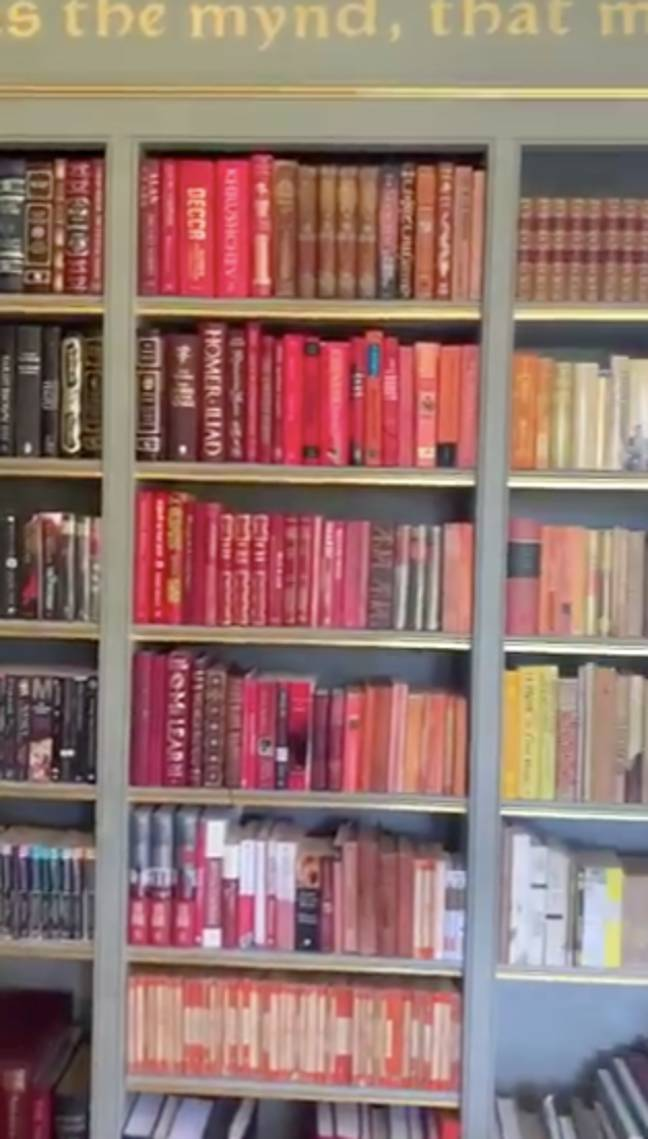 The colour co-ordinated library definitely had Hogwarts vibes (Credit: JK Rowling/Twitter)