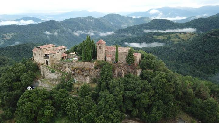 You Can Rent A Medieval Castle In Spain For You And Your Friends
