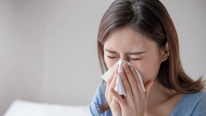 Hay Fever Sufferers Warned About High Pollen Levels Headed For UK This Weekend
