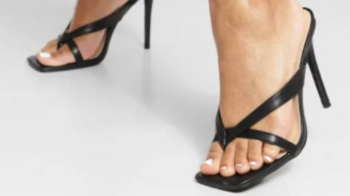 People Left Baffled As Woman Asks For Advice On 'Identical' Shoes