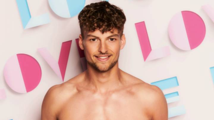Love Island 2021: Show Casts Its First Disabled Contestant