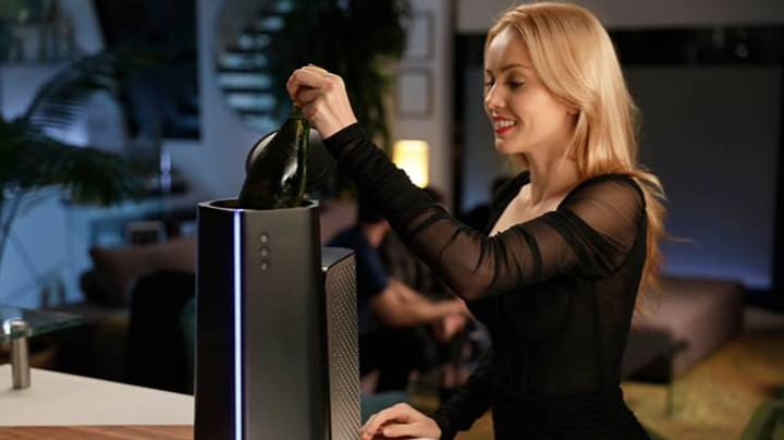 This 'Microwave For Cooling' Chills A Bottle Of Wine In 5 Minutes