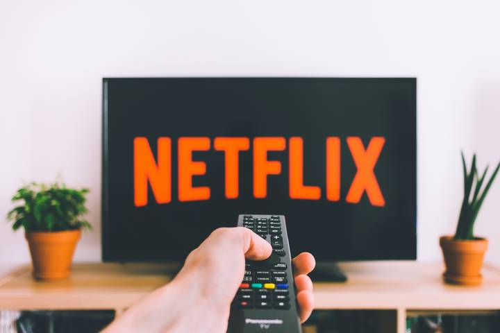 Netflix Is Now Introducing A Shuffle Button For Indecisive People
