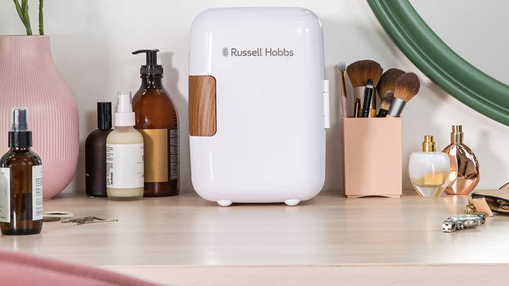People Are Losing Their Minds Over These Beauty Mini Fridges