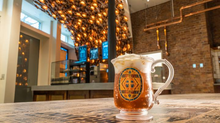 First Look At New Harry Potter Butterbeer Bar In New York's Mega Store