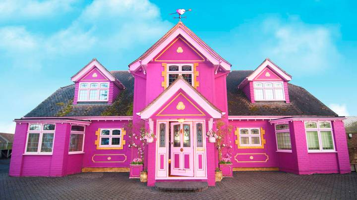 This Pink Airbnb Mansion In Essex Is The Ultimate Hen Party Palace