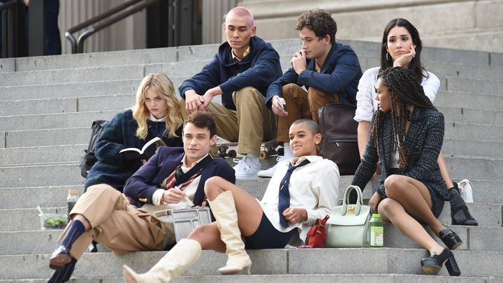 Spotted: Gossip Girl Reboot Cast Filming On The Iconic Met Steps