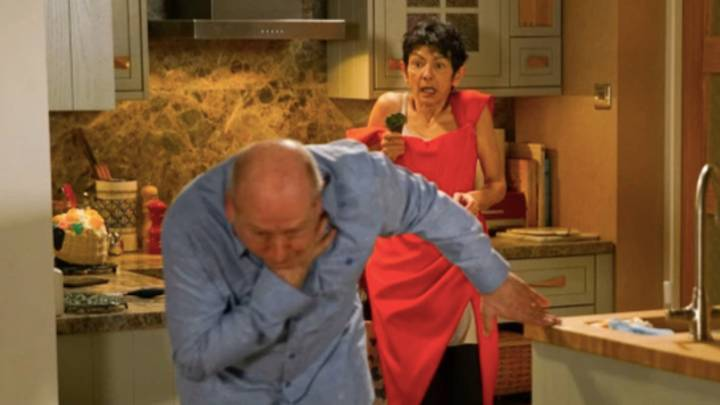 'Coronation Street': Yasmeen Stabs Geoff After He Attacks Her With A Knife