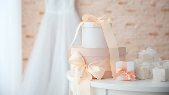 Bride Asks For Advice After Not Receiving Gifts From Guests